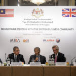 Dr M calls for high-tech investments from UK
