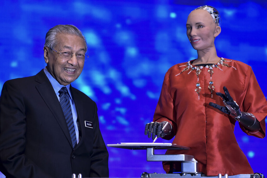Dr Mahathir Comes Away Impressed After Chat with Robot