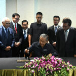 Dr Mahathir Arrives in Kota Kinabalu for One-Day Working Visit