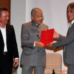 Government May Set up Body to Protect and Develop Music Industry – Dr Mahathir