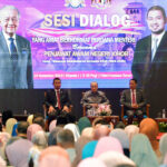 Dr Mahathir Attends Dialogue Session with Johor Civil Servants